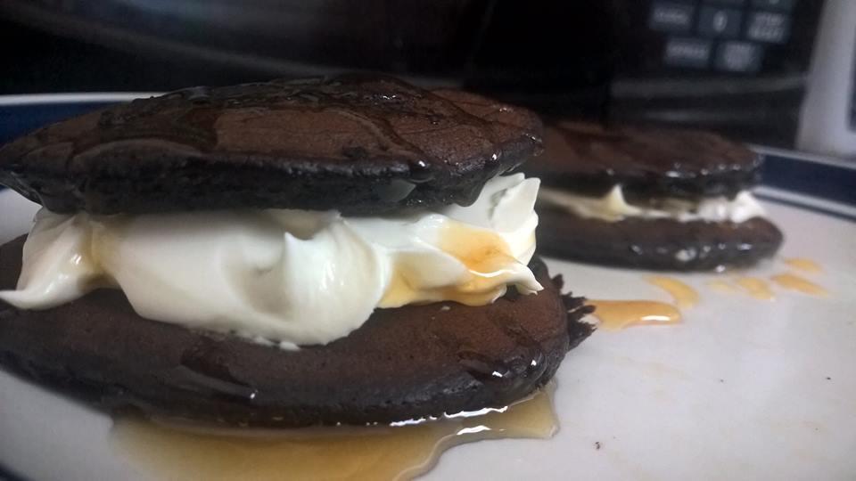 Healthy Chocolate Avocado Oreo Pancakes